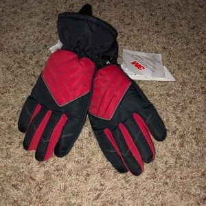 Other - NWT Boys cold weather gloves